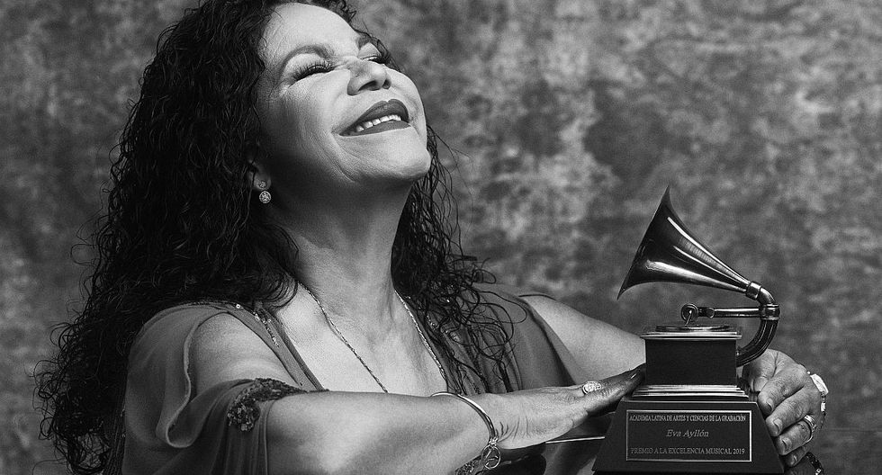 Eva Ayllón recibió el Premio a la Excelencia en los Grammy Latino 2019. (Foto: @latingrammys/ Omar Cruz)