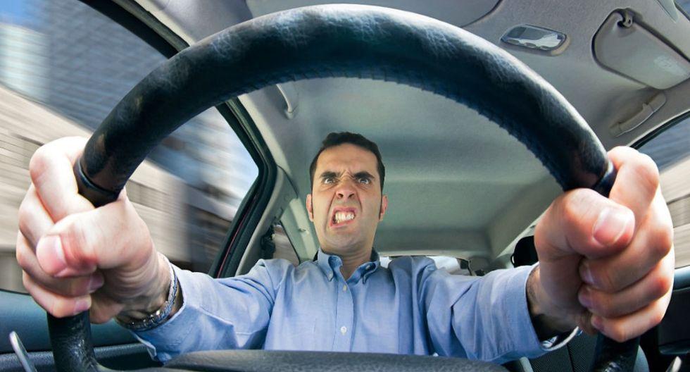 No hagas caso a lo que vocifere el conductor del otro vehículo.