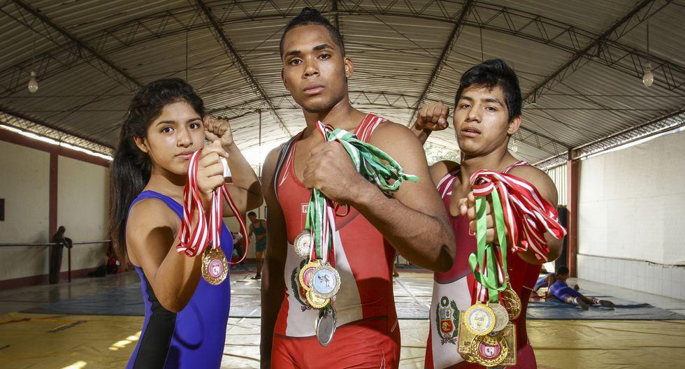 jóvenes luchadores