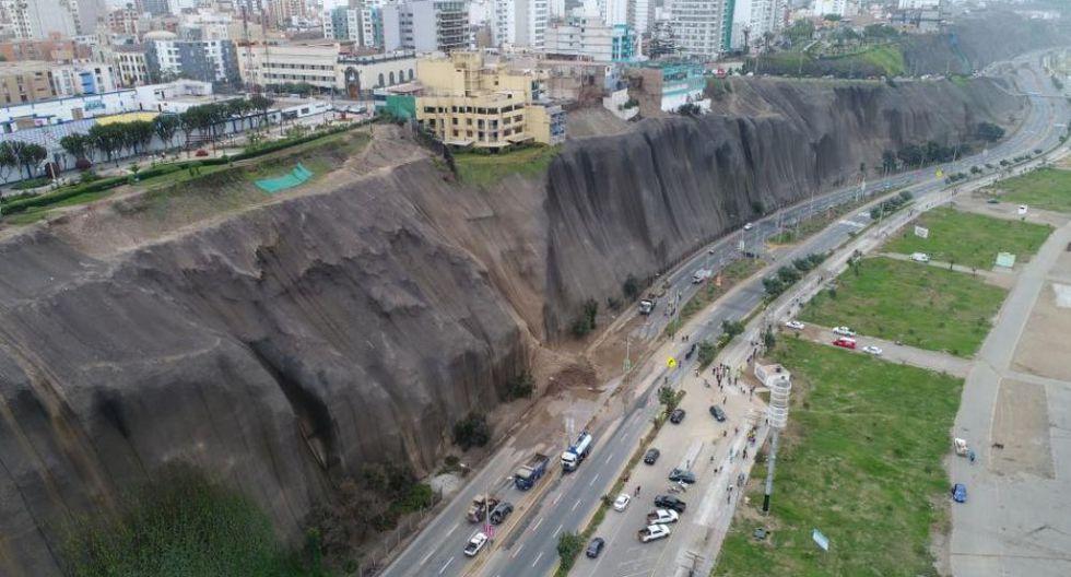 El 8 de agosto un deslizamiento de tierra provocó alarma en los vecinos de Magdalena del Mar y de las autoridades. (Foto: GEC)(Foto: GEC)